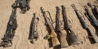Armes%20sur%20le%20sable